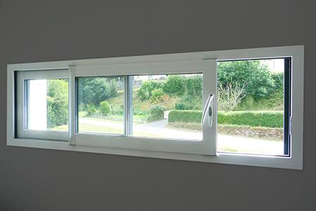 Fenêtre coulissante vue de l'intérieur