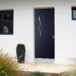 Porte d'entrée et 2 fenêtres